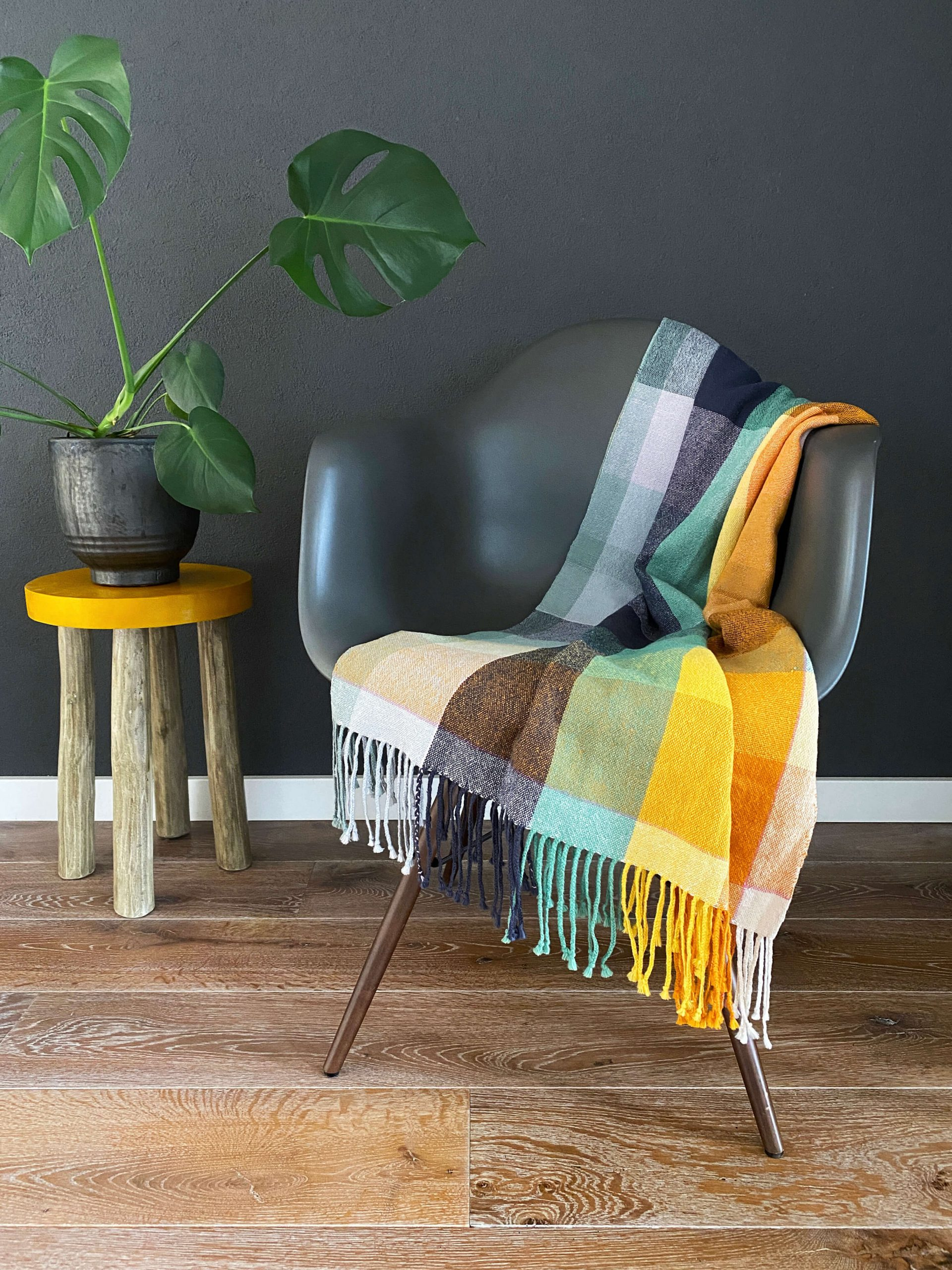No. 11 Throw in plain weave colourblock