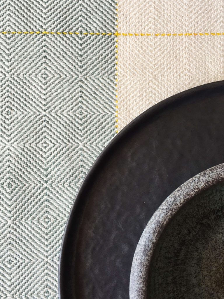 No. 18 Table runner in point twill