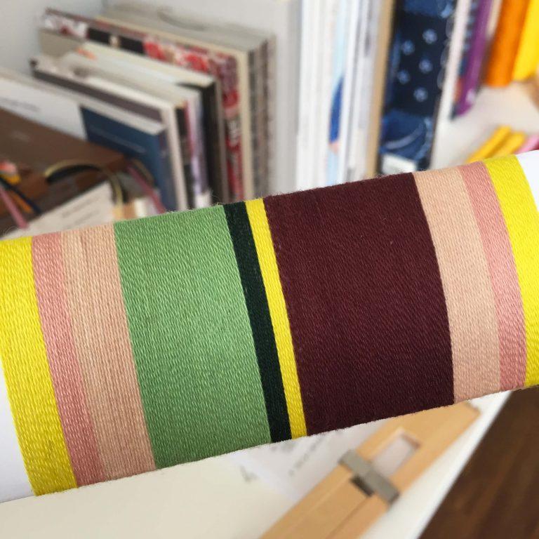 Handwoven zipper bag bordeaux