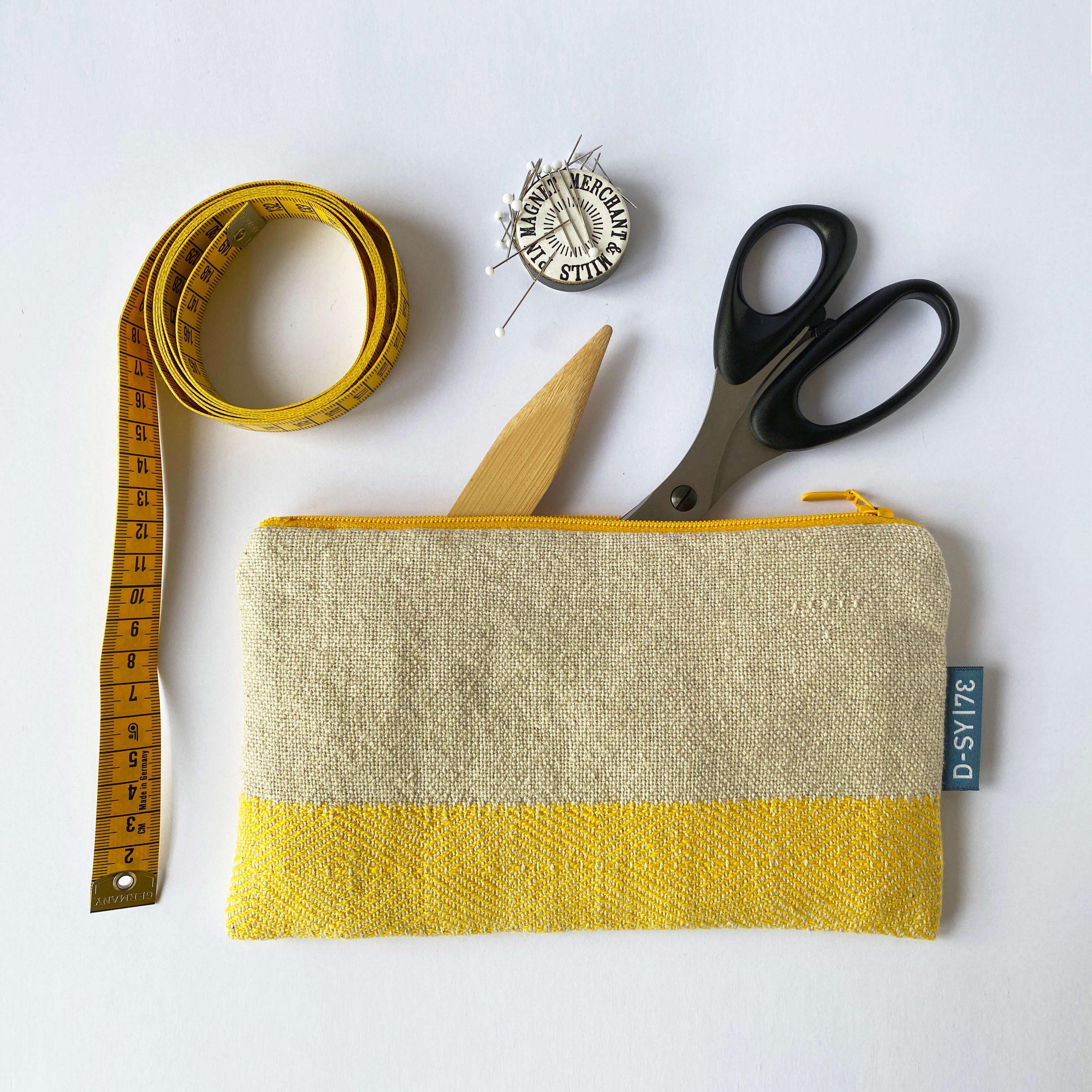 Zipperbag in point twill & plain weave (06ZB)