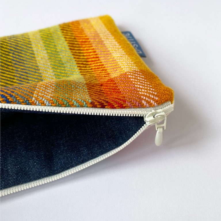 Handwoven zipperbag in twill 07ZB